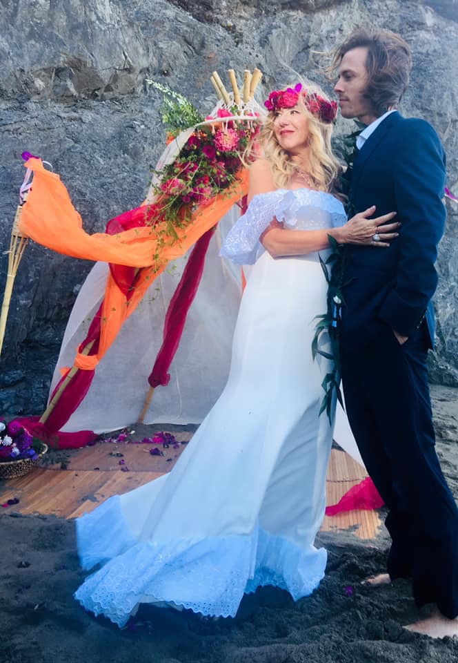 Siobhan Neilland Marries Evan on China Beach San Franciscco